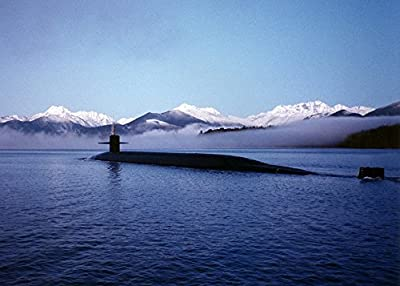 Home Comforts LAMINATED POSTER Surface Submarine Uss Kentucky Cruising Us Navy Poster