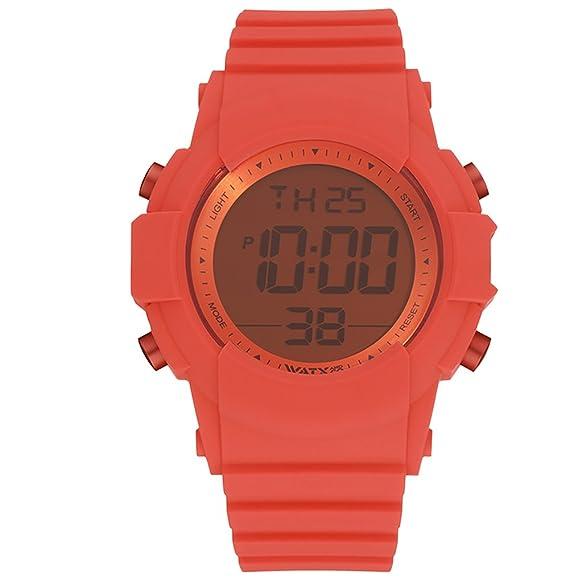 Reloj digital para hombres de WatxandCo. Con correa de silicona deportiva enrojo. Caja con bisel plateado y cristal rojo. Movimento digital. 49mm.