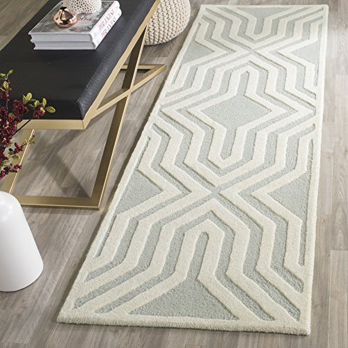 Safavieh Cambridge Collection CAM724G Handcrafted Moroccan Geometric Grey and Ivory Premium Wool Runner 2 6 x 8