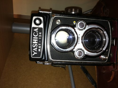 (Yashica twin lens reflex guide: How to use the Yashica A, Yashica B, Yashica C, Yashica D, Yashica E Flash, Yashica 635, Yashica 44A, Yashica-MAT, ... 24 and MAT 124 cameras, (The Camera guide))