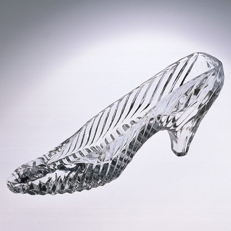 Dublin Display Cabinet - Godinger 1349 6.75 Crystal Slipper