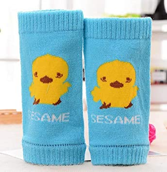 56cfcfa4df Amazon.com : 1 Pair Baby Cotton Knee Pad Soft Crawling Kneecap Infant  Toddlers Knee Support Protector Cushion Leg Warmer For 0-3 Age (B) : Beauty