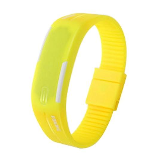 37b9ddf0eec7 Panegy LED Digital Reloj Cuarzo de Pulsera Reloj Deportivo 3ATM Resistente  al Agua Brazalete para Chicos Chicas Estudiantes - Amarillo  Amazon.es   Relojes