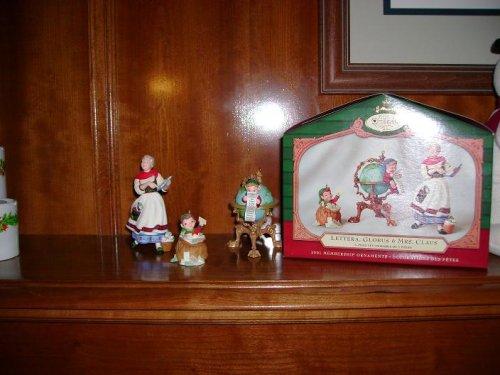 Hallmark Keepsake Ornament 2001 Lettera , Globus & Mrs. Clause