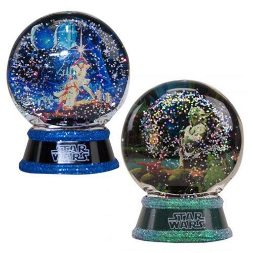 Kurt Adler Star Wars Classic Water Globe ()