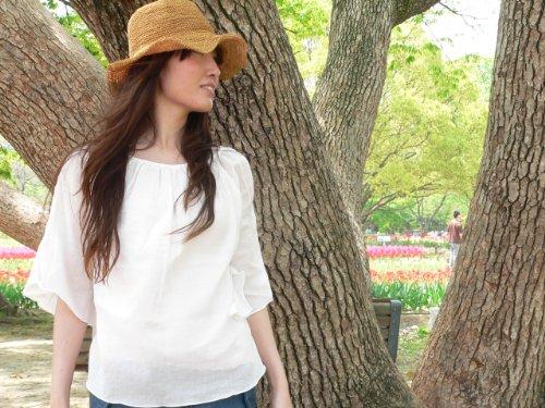 地域アスレチック送ったふんわりシャツ【フェミニン M】コットン100%ホワイト 白ブラウス 五分袖 クアトロガッツ
