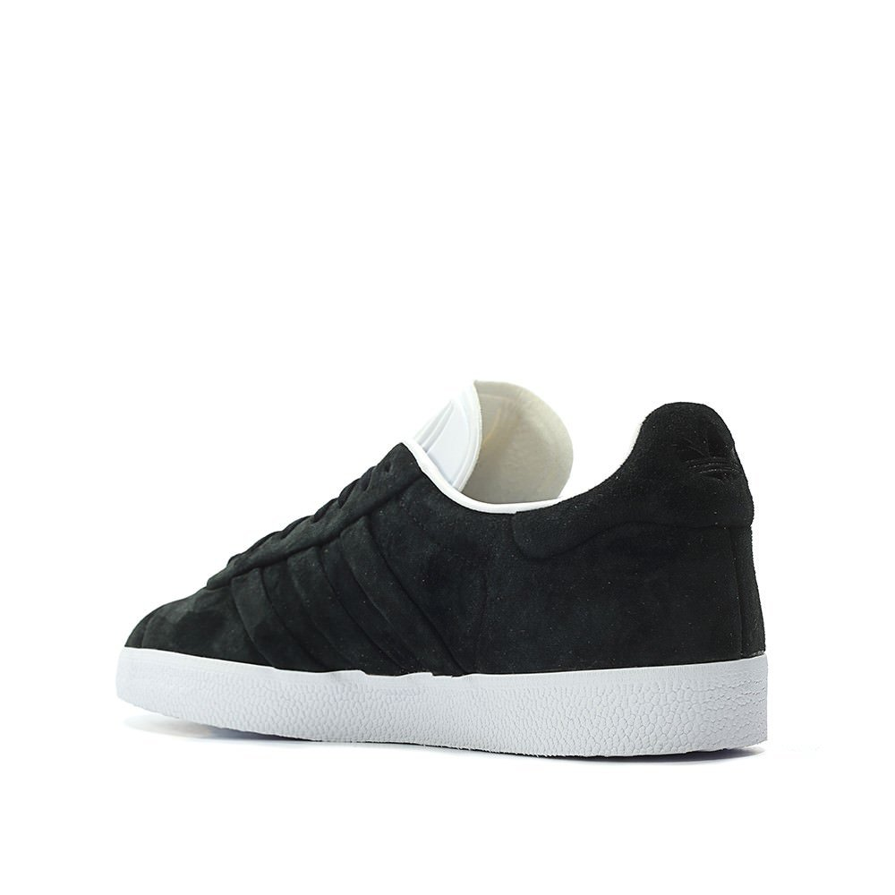 new arrival 53b92 5f186 Amazon.com  adidas Mens Gazelle Stitch and Turn Casual Athletic  Sneakers   Shoes