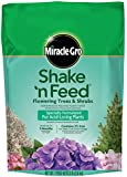 Miracle-Gro Shake 'n Feed Continuous Release Plant Food for Flowering Trees and Shrubs, 8-Pound (Slow Release Plant Fertilizer)