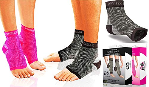 Physix Gear Plantar Fasciitis Socks with Arch Support for Men & Women - Best 24/7 Compression Foot Sleeve for Heel Spurs, Ankle, PF & Swelling - Holds Shape & Better Than a Night Splint - Black S/M
