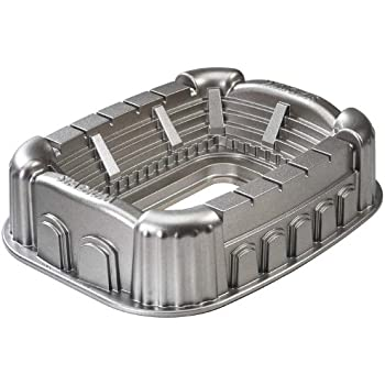 Amazon Com Nordic Ware Pro Cast Stadium Pan Novelty Cake