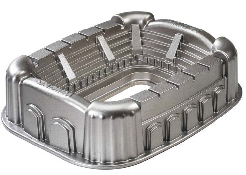 Nordic Ware Pro Cast Stadium Pan (Football Shaped Pan compare prices)