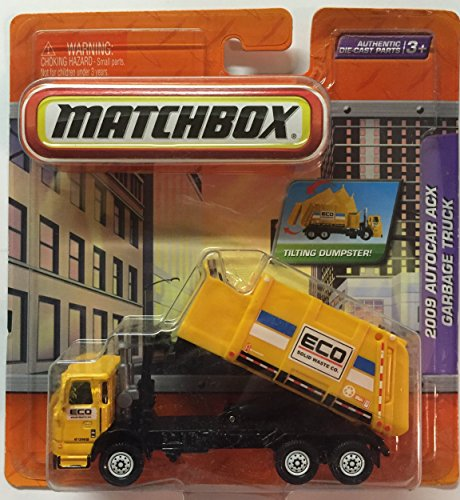 garbage truck with side loader - 3