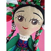 Muñeca de trapo estilo Mazahua diseñada, elaborada y pintada a mano.