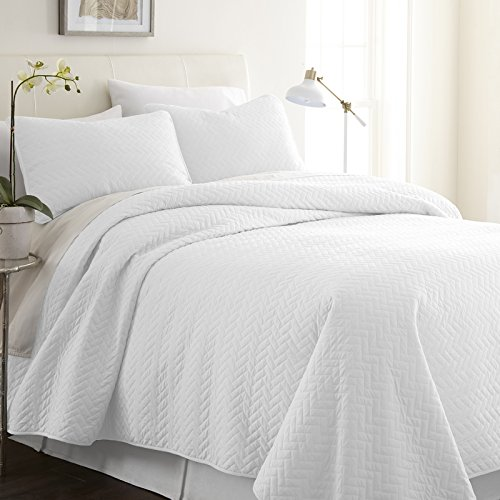 - Simply Soft Quilted Coverlet Set Herring Patterned , Queen/Full, White