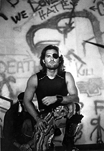 Posterazzi Kurt Russell in Escape from New York Photo Print (24 x 30)