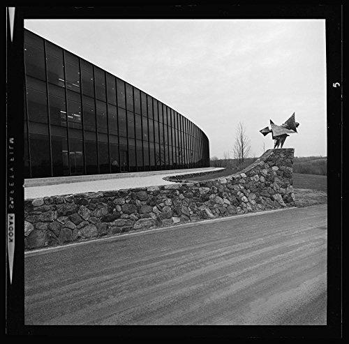 Ibm Photo - 1917 Photo IBM, Thomas J. Watson Research Center, Yorktown Heights, New York, 1956-61. Exterior detail Location: New York, Yorktown Heights