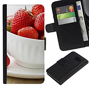 LASTONE PHONE CASE / Lujo Billetera de Cuero Caso del tirón Titular de la tarjeta Flip Carcasa Funda para Samsung Galaxy S6 SM-G920 / Fruit Macro Strawberries Cup