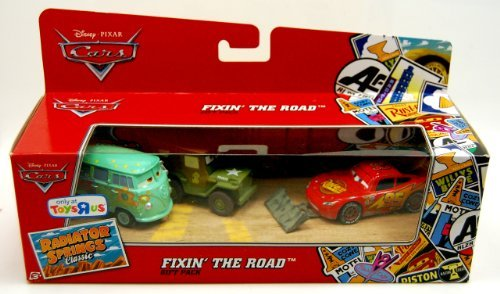 MATTEL CARS RADIATOR SPRINGS Classic FIXIN 'THE ROAD GIFT PACK Mattel