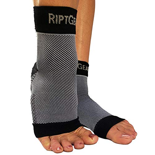 RiptGear Plantar Fasciitis Socks for Women and Men - 1 Pair Plantar Fasciitis Sleeves for Heel and Foot Pain with Ankle Compression (Medium)