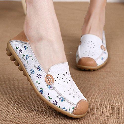 Labato Style Frauen Blumendruck Aushöhlen Driving Loafers Leder Slip auf flache Schuhe Weiß