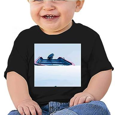 Amazon.com: Cuello redondo T A Boat Lay silenciosamente en ...