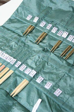 della Q Knitting Case 38-Pockets for Interchangeable Knitting Needles; 040 Purple 190-1-040 ()