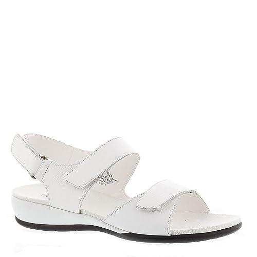 817b0c48e57f3 Easy Spirit Women's Hartwell Sandals White
