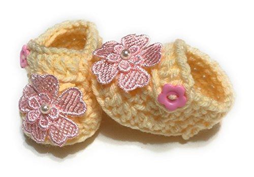 MiC Crafts Handmade Baby Booties 5-7 lbs baby preemie/newborn Cream ()