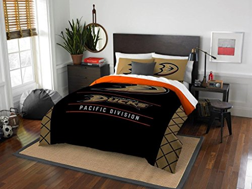 - Northwest Enterprises Anaheim Ducks - 3 Piece Full/Queen Size Printed Comforter & Shams - Entire Set Includes: 1 Full/Queen Comforter (86