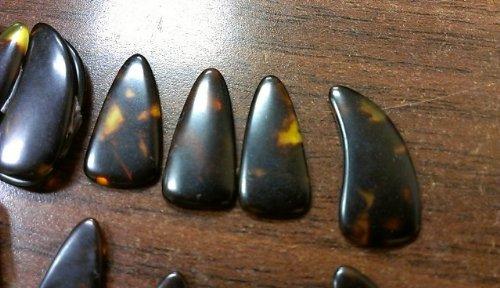 Alta calidad L + R guzheng Finger Picks con surcos, GU Zheng clavos, tamaño pequeño
