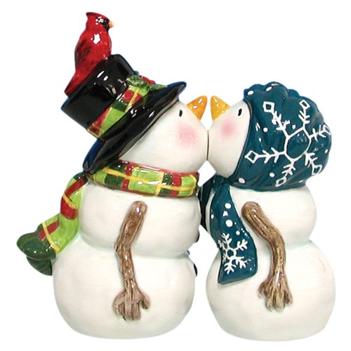salt and pepper shakers kissing - 8