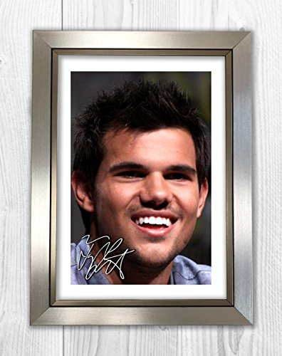 Engravia Digital Taylor Lautner 1 SP - Signed Autograph Reproduction Photo A4 Print(Silver frame)