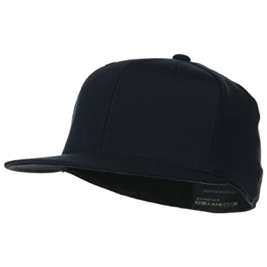 c5ff89f2707 Premium Fitted Flat Visor Cap - Dark Navy W33S69F at Amazon Men s ...