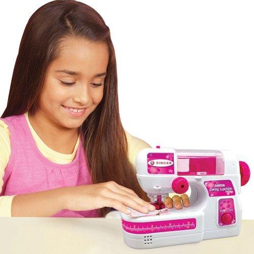 (Singer Junior Toy Sewing Machine)