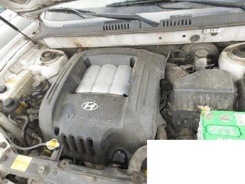 Genuine Hyundai Parts 92102-26250 Passenger Side Headlight Assembly Composite