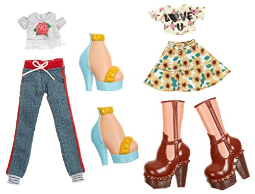 Bratz Deluxe Fashion Pack Style 1: Yasmin and - Fashion Bratz Dolls
