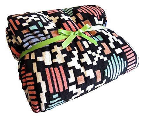 Vera Bradley SIERRA TRIBAL Fleece Plush Throw Blanket Soft C