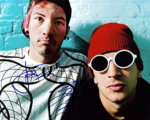 Twenty One Pilots (Tyler Joseph & Josh Dun) signed 8x10 photo (Twenty One Pilots Tyler Joseph And Josh Dun)