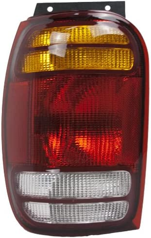 Replacement Mountaineer Taillight Partslink FO2800120 product image