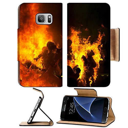 Crema Wall (Luxlady Premium Samsung Galaxy S7 Flip Pu Leather Wallet Case IMAGE ID 25570089 Crema in Fallas of Valencia on March 19 night all figures are burned as end celebration)