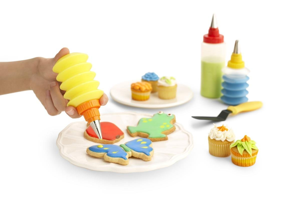 amazoncom kuhn rikon cookie and cupcake decorating set cookie decorating kit kitchen dining - Cookie Decorating