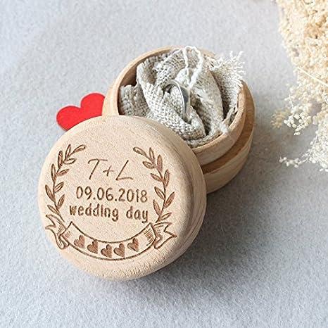 Personalizado caja de anillos de boda, rústico de madera anillo caja, Custom iniciales Anillo titular caja, escoba y de la novia regalo, boda decoración: ...