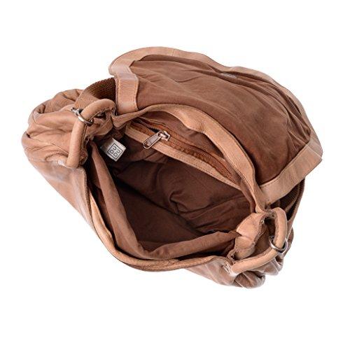 Borsa lavata donna in pelle tinta in capo con tracolla e patta DUDU Nut Brown