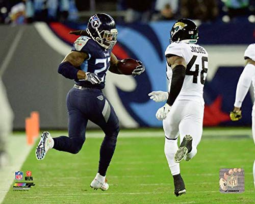 (Derrick Henry Tennessee Titans 2018 Action Photo (Size: 8