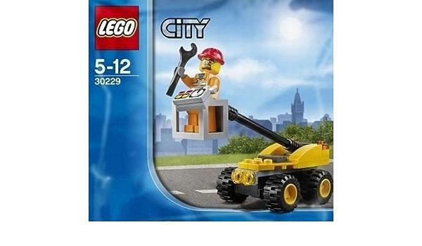 LEGO CITY SET 30229 REPAIR LIFT 40 PC