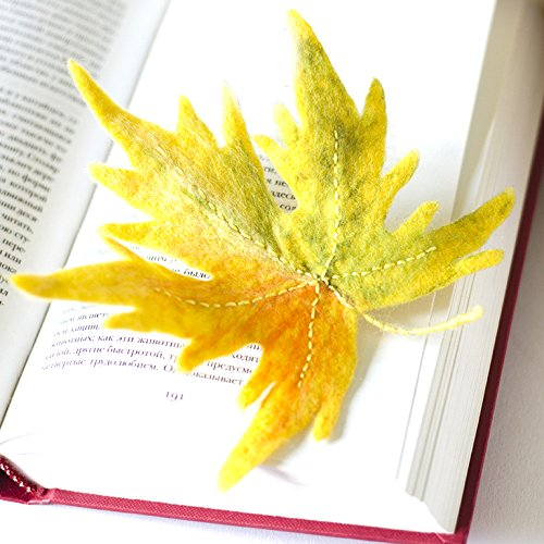 (Maple Leaf Broach Autumn Leaves Brooch Fall Fashion Trend Jewelry Yellow Leaf Handcrafted Pin Felted Jewelry Woodland Pins Ecofriendly Gift for Her)