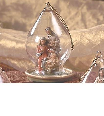 Idea para introducir bolas de Navidad con un belén resina. Altura 10 cm