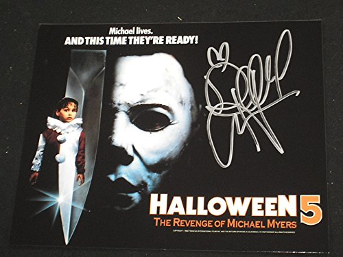 DANIELLE HARRIS Signed 8x10 Photo Halloween Scream Queen Autograph H -