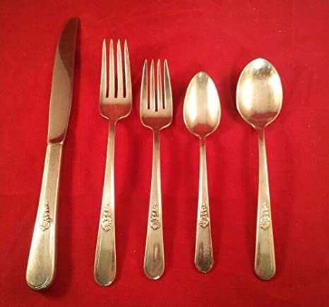 "4 International Holmes Edwards 1940 YOUTH Pattern Dinner Forks 7 5//8/"" No Monos"