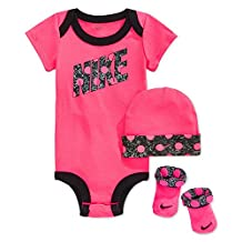 Nike Baby Girls' 3-Piece Dot Bodysuit, Hat & Booties Set (0-6 Months, Darling dots)